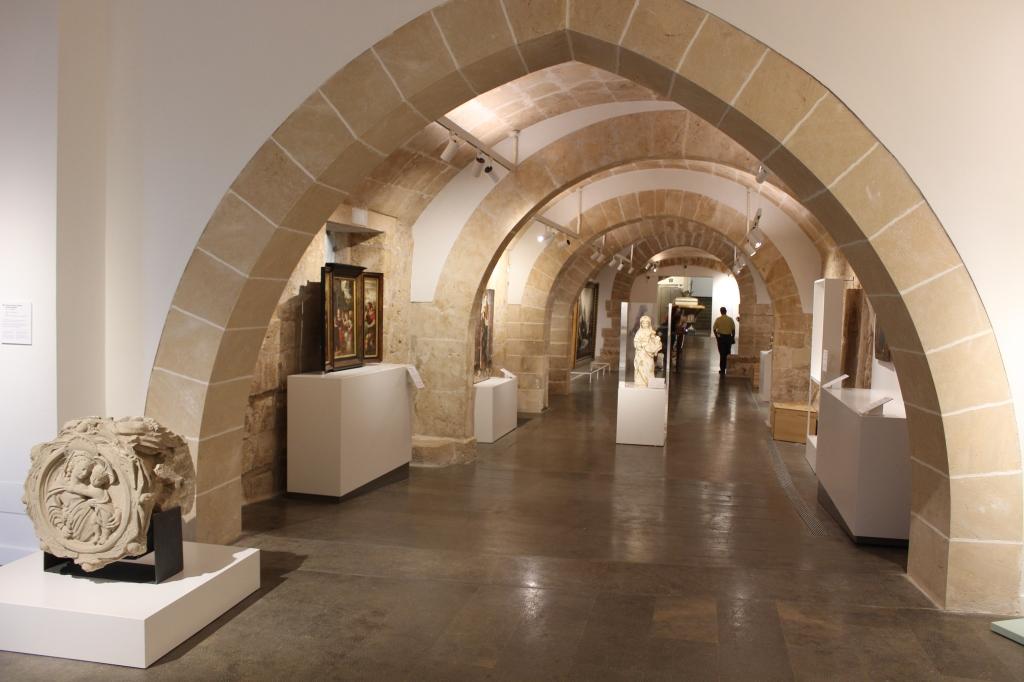 Interior Museu Art Sacre de Mallorca. Espai Mare de Deú.