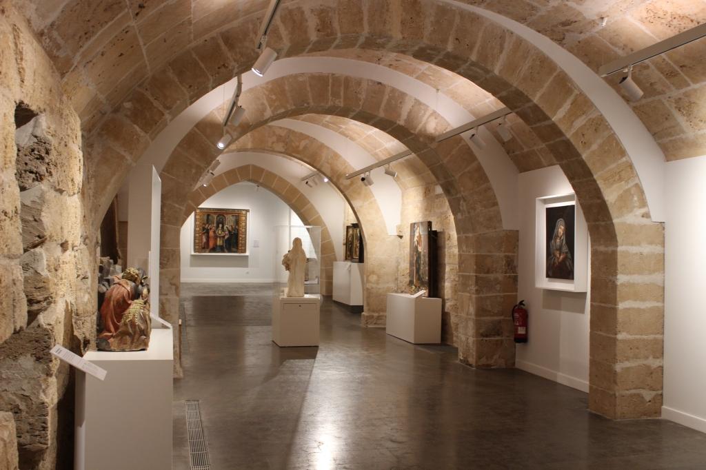 Vista de l'interior del museu art sacre de mallorca.